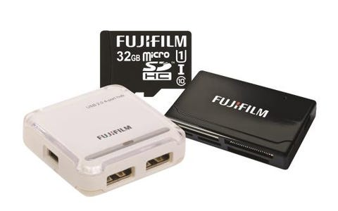 Fujifilm Micro SDHC 32GB UHS-I Pro Class 10 Card, USB Reader & 4 Port Hub Bundle
