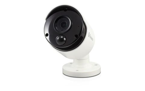 [Refurbished] Swann NHD-887MSB Indoor / Outdoor Wired 4K Ultra HD Night-Vision Security Camera - White